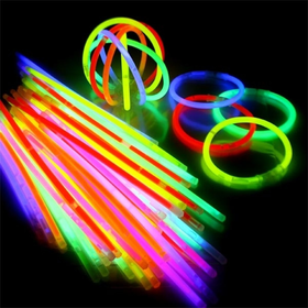 Glow sticks mix kleuren 100 stuks